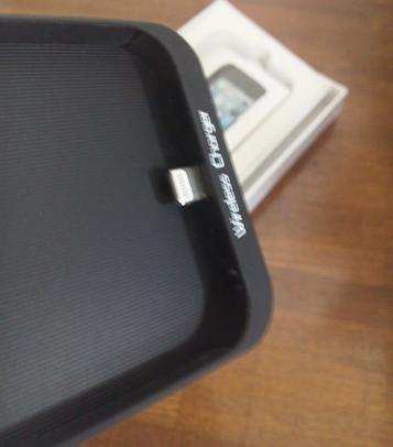 iPhone5でqi充電をしてみる GMYLE (TM) iPhone 5専用「Qi」規格ワイヤレス無線充電器ケース2