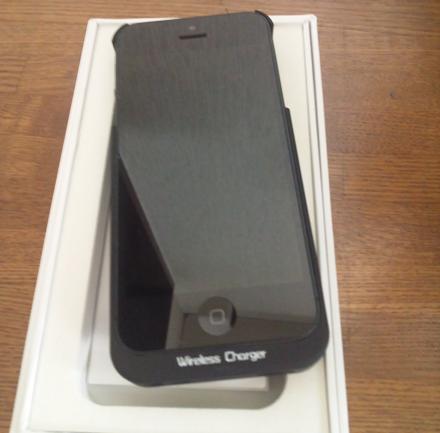 iPhone5でqi充電をしてみる GMYLE (TM) iPhone 5専用「Qi」規格ワイヤレス無線充電器ケース3
