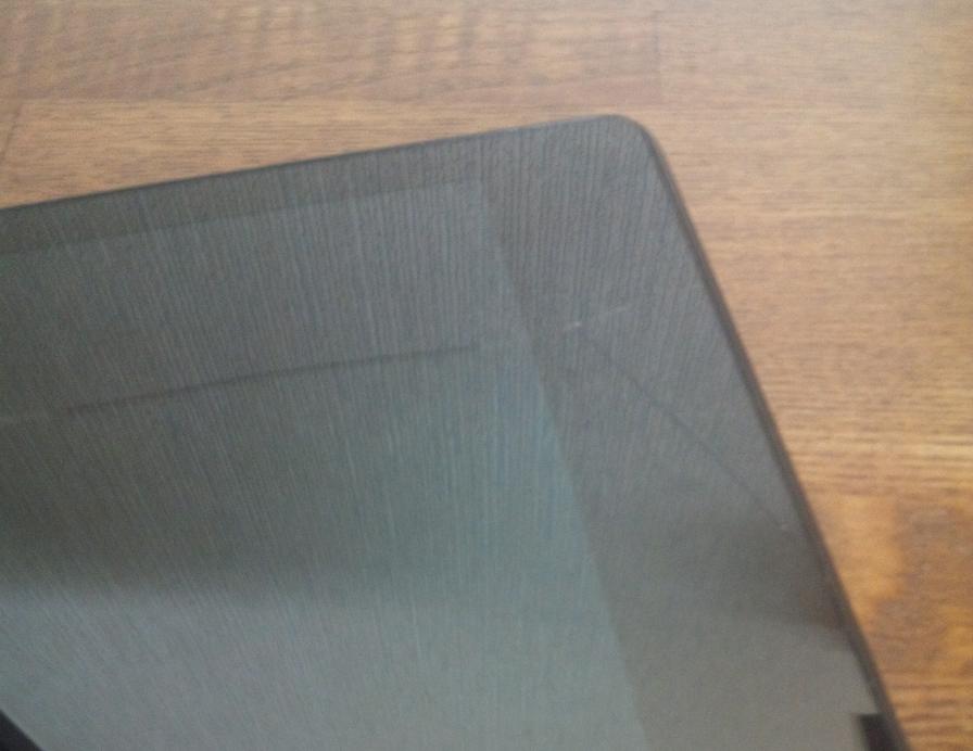 Nexus7 2013にヒビ